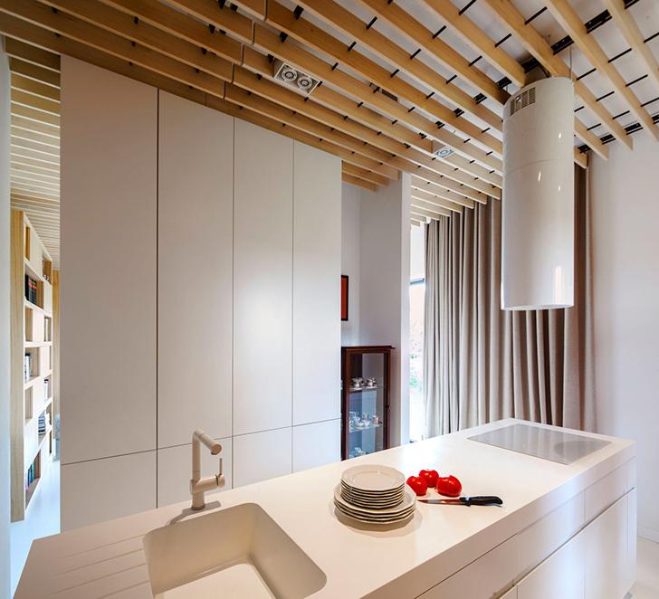 Современный минималистичный интереьер кухни